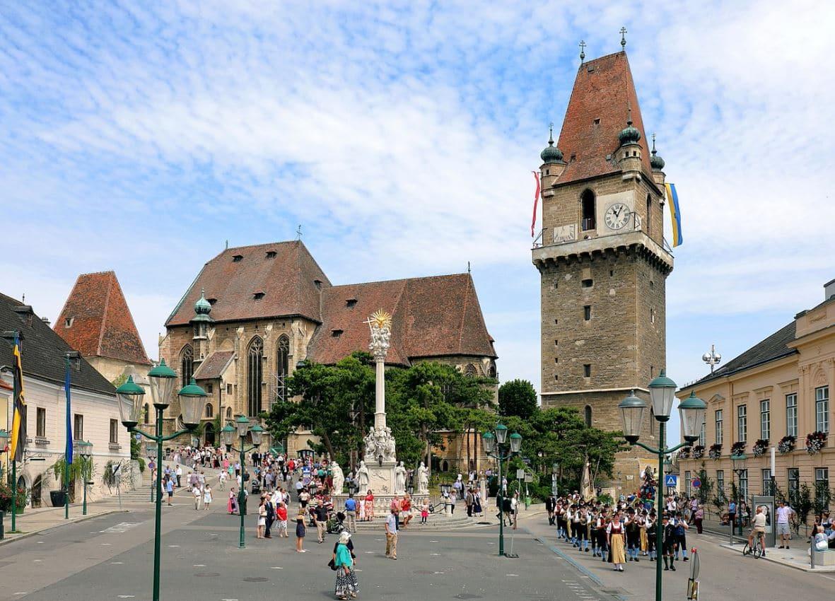 Wehrturm Kirchen Perchtoldsdorf © Bwag/CC-BY-SA-4.0